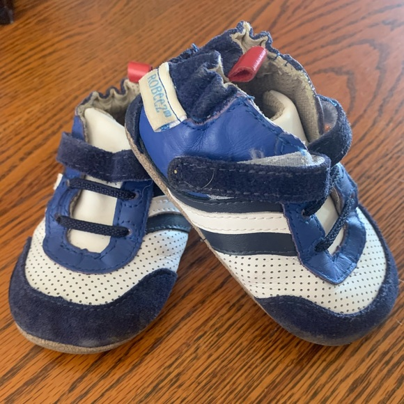 Robeez first sneakers   Size 6-9months